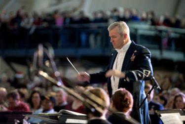 ドヴォルザーク交響曲第8番を演奏する。